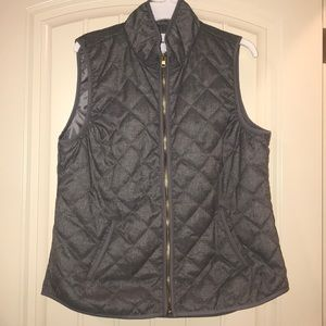 Sz L old navy gray quilted pattern vest. Worn once